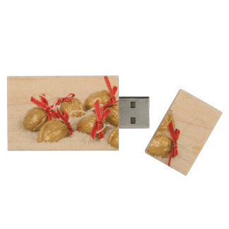 Golden Christmas walnuts in the snow Wood USB 2.0 Flash Drive