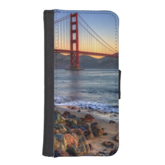 Golden Gate Bridge from San Francisco bay trail. iPhone SE/5/5s Wallet Case