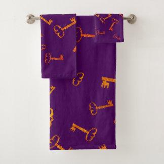 Golden Keys, Vintage Bathroom Towel Set