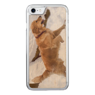 Golden Retriever Dog in the Snow Carved iPhone 8/7 Case
