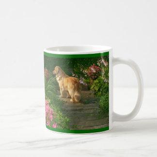 Golden Retriever Garden Mug