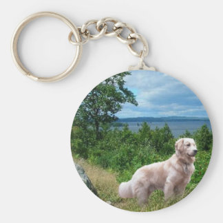 Golden Retriever Keychain At The Lake