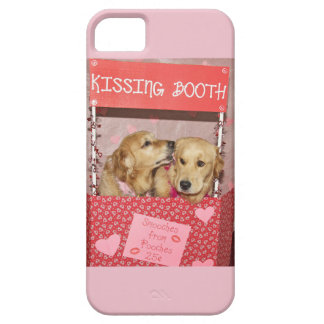 Golden Retriever Kissing Booth iPhone 5 Case