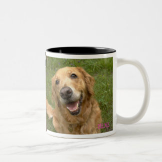 Golden retriever of smiling face Two-Tone coffee mug