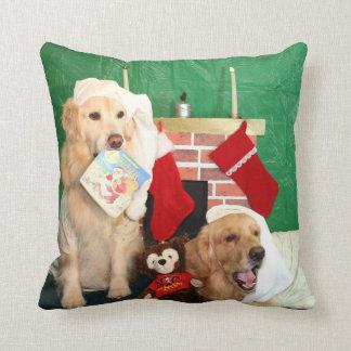 Golden Retrievers The Night Before Christmas Cushion