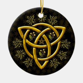 Golden Tri-Quatra Holly Oak Pentagram Snowflakes Round Ceramic Decoration