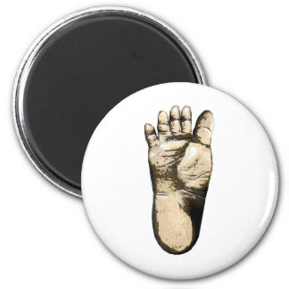 Gone Squatchin (tribute to all Big Foot Hunters) 6 Cm Round Magnet