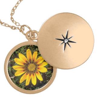 Gorgeous Flowers Necklace Locket