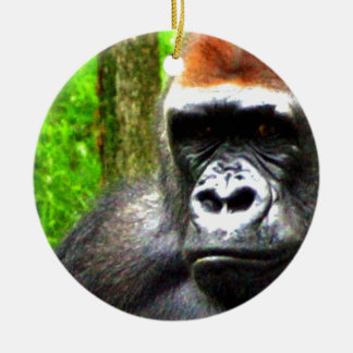 gorilla chillin round ceramic decoration