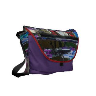 """Graffiti-Fenster-"" - Bote-Tasche Courier Bag"