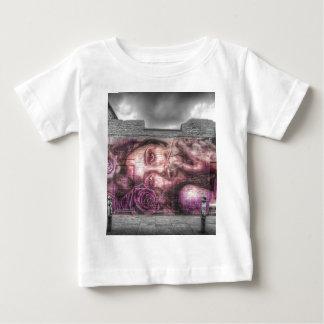 Graffiti Girl, Shoreditch London T-shirts