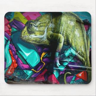 Graffiti reptile mouse mat
