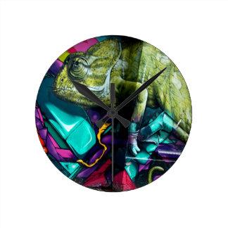Graffiti reptile round clock