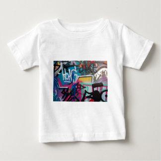 graffiti smudge background baby T-Shirt