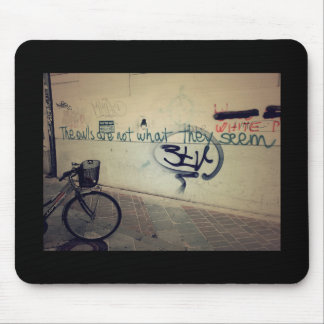 Graffiti wall - The owls are not what they seem Mouse Mat