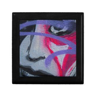 Graffiti woman gift box