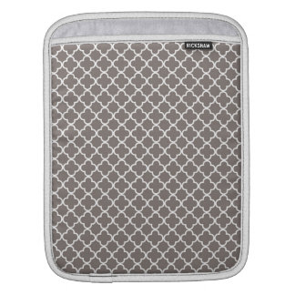 Gray Quatrefoil Pattern iPad Sleeve