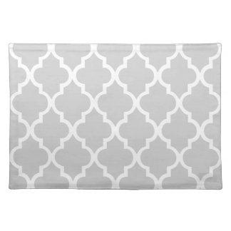 Gray Quatrefoil Tiles Pattern Placemat