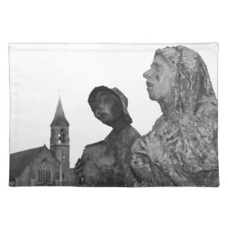 Great Famine of Ireland statues in Dublin Placemat