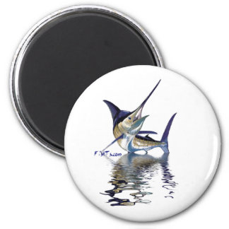 Great marlin with reflection in water 6 cm round magnet
