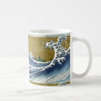 Great Sweeping Ocean Waves Design by SHARLES Basic White Mug