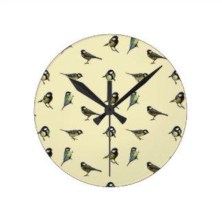 Great tit pattern round clock