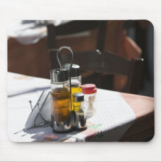 GREECE, CRETE, Rethymno Province, Rethymno: Old Mouse Mat