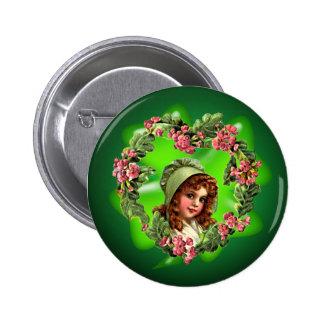GREEN BONNET & SHAMROCK by SHARON SHARPE 6 Cm Round Badge