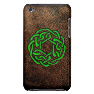 Green celtic knot on leather iPod touch case
