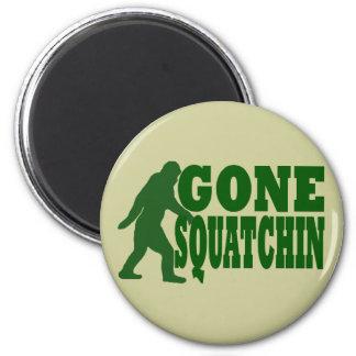 Green gone squatchin slogan text 6 cm round magnet