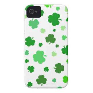 Green Irish Shamrocks iPhone 4 Cover