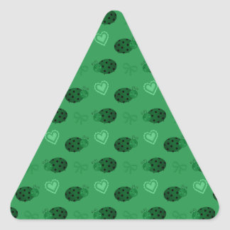 Green ladybugs hearts bows pattern triangle stickers