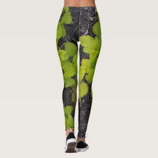Green leaf design leggings