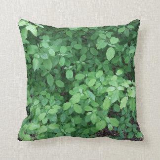 Green leaf design throw pillow