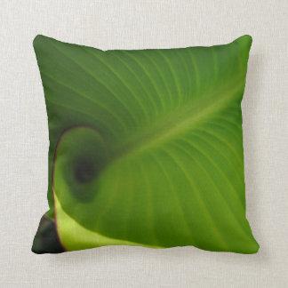 Green Leaf Swirl Cushion