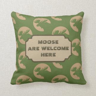 Green Moose Circle Pattern Cabin Cushion