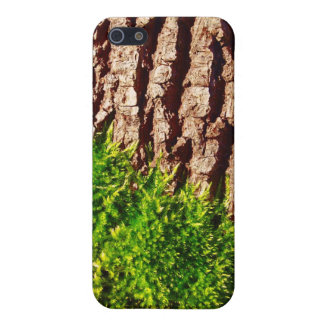Green Moss on Tree Bark Seasonal Nature Art Case For The iPhone 5