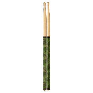 Green Pine Needles Pattern