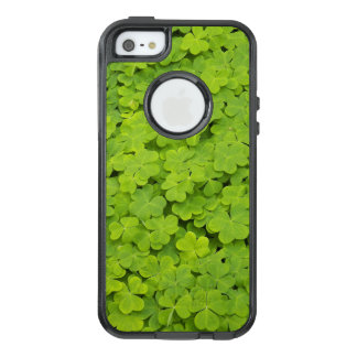 Green Shamrocks OtterBox iPhone 5/5s/SE Case