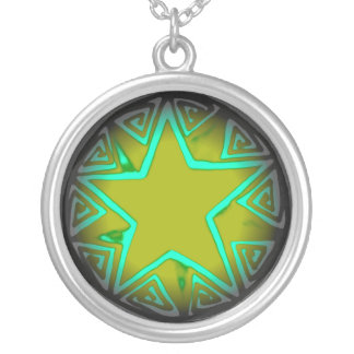 Green Star Round Pendant Necklace