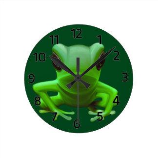 Green Tree Frog Round Clock