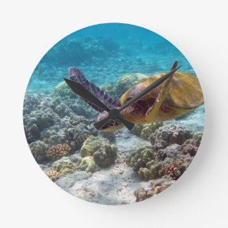 Green Turtle Round Clock