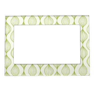 Green vertical ogee pattern background magnetic photo frames