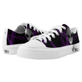Grey alien Custom Zipz Low Top Shoes