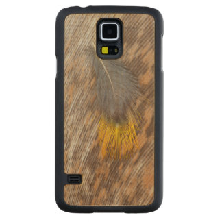 Grey Feather Still Life Carved Maple Galaxy S5 Case