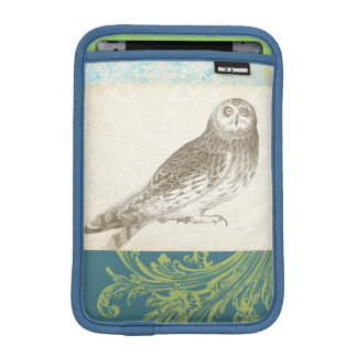 Grey Owl on Pattern Background iPad Mini Sleeve