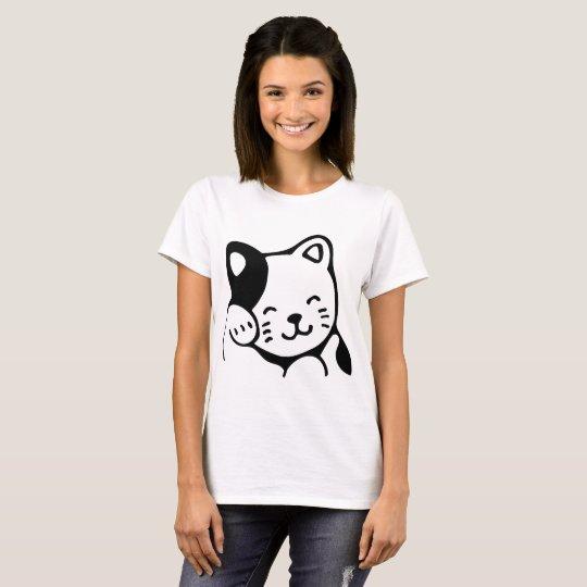 Grooming Kitty Woman t-shirt