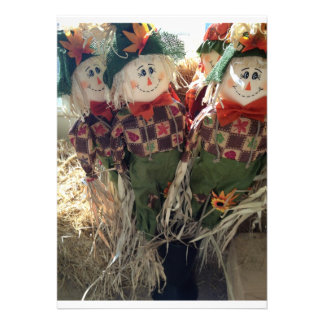 GROUP OF SCARECROWS PARTY INVITATION