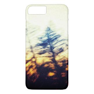 Grunge fir tree silhouette on sunset sky iPhone 8 plus/7 plus case