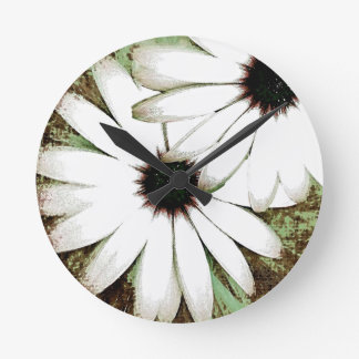 grungy daisys wallclock